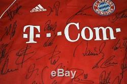 2006-07 FC Bayern Munich Team-signed jersey Schweinsteiger Kahn Makaay Lucio Ali