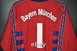 BAYERN MUNICH 1997-1998 OLIVER KAHN JERSEY Size M (VERY GOOD)