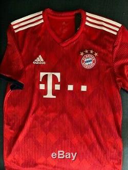 Bayern Munich Alphonso Davies Autographed Signed L Jersey COA BNWT