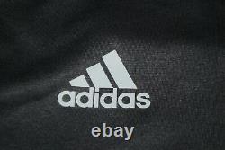Bayern Munich Away Football Shirt 2016-2017 Adidas Adizero Longsleeve Vidal 7