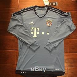 New Bayern Munich Away Jersey #8 Ali Karimi Iran Size Large Long Sleeve Rare